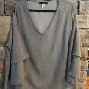 Gray bell sleeve blouse